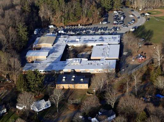 A month ago, nobody in Newtown, Connecticut imagined that this quiet community would jump tragically to fame. Sandy Hook Elementary school became the place of the worst children massacre in the history of the United States.