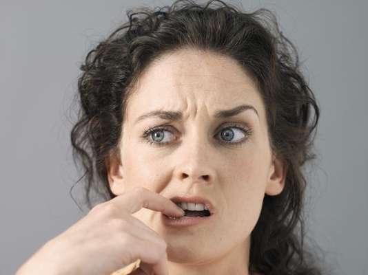 Menos ansiedad: los fumadores creen que el hábito es una manera de relajarse, pero un estudio inglés mostró que, en realidad, el dejar el cigarrillo provoca que los niveles de ansiedad disminuyan. Otra investigación, hecha en 2010, apuntó también que después de un año sin fumar las personas se ven menos estresadas.