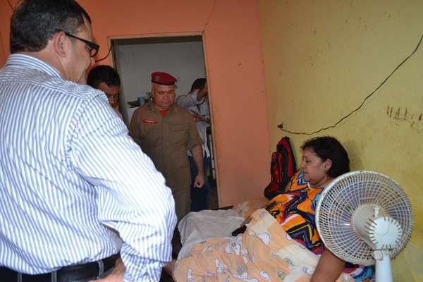 Raimunda de Fátima dos Santos, 58 anos, que tem 230 quilos e sofre de obesidade mórbida, foi levada para um hospital de Salvador