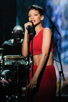 La cantante y también diseñadora Rihanna debutará el próximo 16 de febrero en la Semana de la Moda de Londres con su colección para la firma River Island, con la que colabora por primera vez.