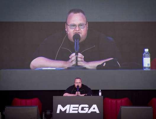 Fundador do Megaupload realizou um evento para a imprensa em sua mansão na Nova Zelândia para o lançamento do novo site, Mega
