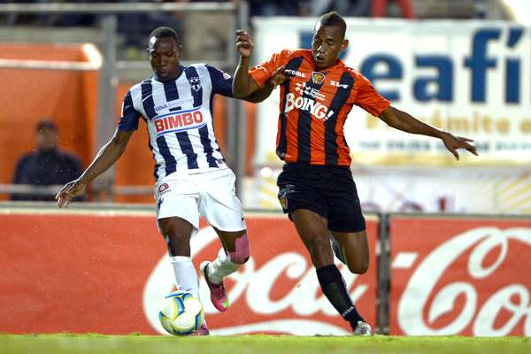 Jaguares and Rayados opened the weekend with a 1-1 draw. Franco Arizala scored for Chiapas and Aldo de Nigris for Monterrey