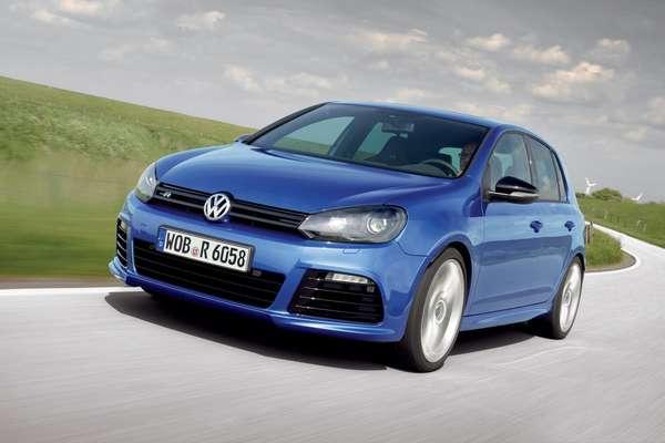 O Volkswagen Golf (foto) permanece com o posto de carro mais vendido na Europa, apesar de ter registrado queda de 11,1% para 431.742 unidades