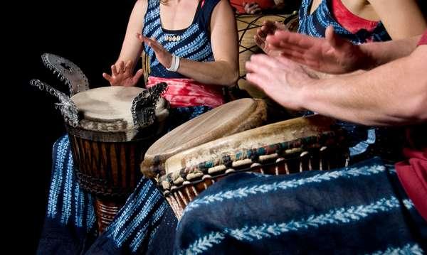 Famoso por suas belas paisagens, Caribe também é conhecido por ser o berço de ritmos musicais calientes e contagiantes