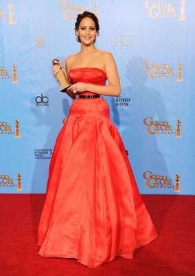 Jennifer Laurence, la actriz que nos cautivó en el filme Hunger Games (Los Juegos del Hambre), está nominada al Óscar por su participación en Silver Linings Playbook. Recientemente la vimos en la alfombra roja de los Golden Globes y se veía despampanate. ¿Quieres saber cómo se cuida esta estrella en ascenso? Sigue leyendo.