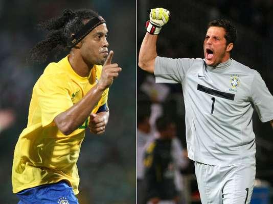 O técnico Luiz Felipe Scolari anunciou sua primeira convocação no retorno à Seleção Brasileira para o amistoso contra a Inglaterra, no próximo dia 6 de fevereiro, em Wembley. As grandes novidades da relação são as voltas do goleiro Júlio César e do meia Ronaldinho. Confira a lista completa de 20 nomes:
