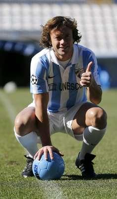 Sem espaço no Paris St. Germain, Diego Lugano foi emprestado pelo clube francês ao Málaga, da Espanha. O zagueiro foi apresentado nesta quarta-feira e vestiu a camisa do time do sul espanhol pela primeira vez