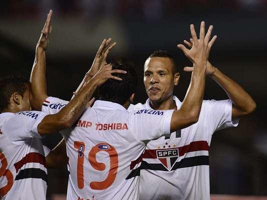 O São Paulo não deu espaço para zebra no jogo de ida com o Bolívar pela fase preliminar da Copa Libertadores da América e conseguiu uma goleada por 5 a 0, encaminhando a classificação para a etapa de grupos