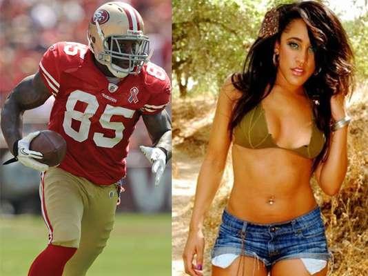 El Super Bowl se encuentra muy cerca, y aquí te dejamos a las bellas parejas de los jugadores que buscan el título de la NFL este 3 de febrero en Nueva Orleans. Este es Vernon Davis y su novia Natalie Nuun
