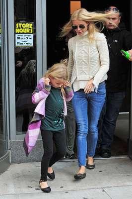 El sitio web de la revista HOLA! realizó un recuento con alguno de los nombres más curiosos de los nombres de los hijos de algunos famosos. Entérate acá de algunos.Apple Blythe Alison Martin, la Hija de Gwyneth Paltrow con el cantante de Coldplay Chris Martin.