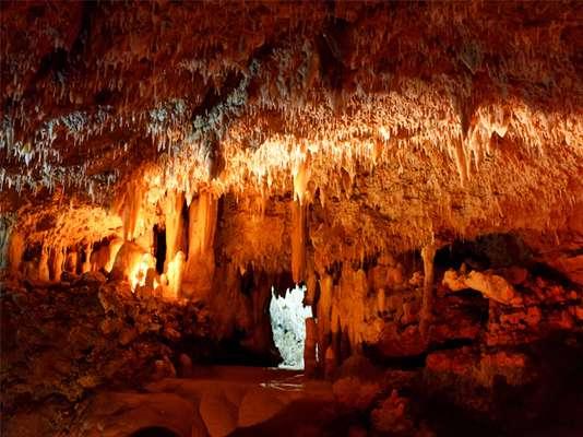 Formações rochosas impressionantes fazem de Harrisons Cave um dos passeios favoritos dos turistas de Barbados