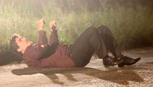 Junno Andrade, novo namorado da apresentadora Xuxa, gravou cenas de 'Salve Jorge', na noite da última terça-feira (29), no Rio de Janeiro. Na novela, ele interpreta o vilão Santiago, parceiro de Wanda (Totia Meirelles) no tráfico de bebês
