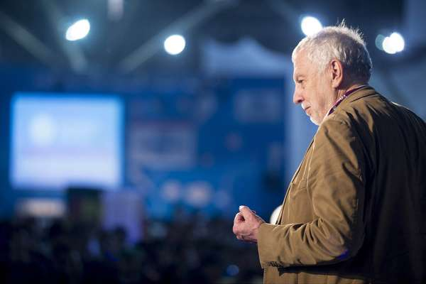 """Os videogames ensinam mais rápido que qualquer outro método de ensino"", afirmou o criador da empresa pioneira de games Atari, Nolan Bushnell"