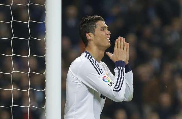 Cristiano Ronaldo (foto) e Lionel Messi passaram em branco, mas Real Madrid e Barcelona fizeram animado empate pela semifinal da Copa do Rei