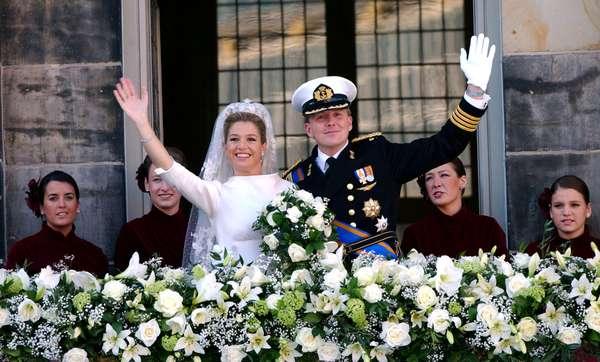 Máxima Zorreguieta, la argentina futura reina de Holanda, conquistó el corazón de los holandeses con su amplia sonrisa y su dominio del idioma, a pesar del oscuro pasado de su padre durante la dictadura militar en Argentina.