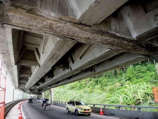 Levantamento feito por engenheiros da UFRJ aponta que estrutura poderia entrar em colapso