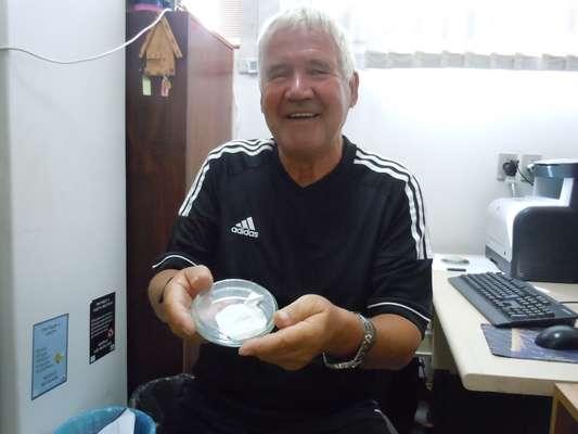 """""""Aqui tem 10 mil quilômetros de nanofibras"""", diz cientista. Pesquisador alemão Joachim Wendorff é um dos principais nomes da ciência dos materiais e vai trabalhar agora com pesquisadores da Universidade Federal do Rio Grande do Sul (UFRGS). Para ele, o País hoje é um dos melhores lugares do mundo para trabalhar no seu campo. """"Para esta área particular, engenharia de tecidos com células-tronco, algumas das melhores pesquisas estão sendo feitas aqui"""""""