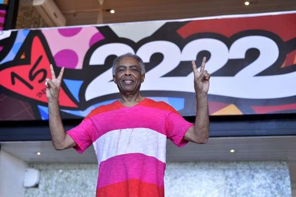 Nesta quinta-feira (7) o cantor Gilberto Gil aproveitou para cuidar dos últimos detalhes de seu tradicional camarote: o Expresso 2222, que está comemorando 15 anos no Carnaval de Salvador