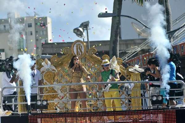 Ivete e Amandinho prestam homenagem à guitarra baiana neste domingo, no bloco Coruja