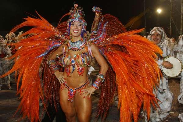 Império de Casa Verde foi a última escola a desfilar no Carnaval de São Paulo em 2013