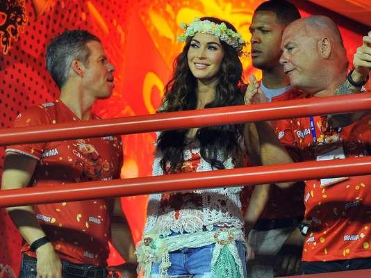 Atriz americana Megan Fox acompanha os desfiles no camarote Brahma