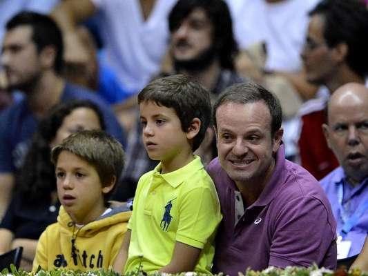 A presença de Rafael Nadal no Brasil Open atraiu muitos torcedores do País e de vizinhos; um dos espectadores foi o piloto Rubens Barrichello, que trouxe os filhos