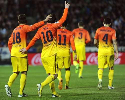 O Barcelona até saiu atrás no placar, mas Messi marcou duas vezes e decidiu a vitória contra o Granada, por 2 a 1. O time catalão segue disparado na liderança, com 15 pontos de vantagem sobre o vice-líder