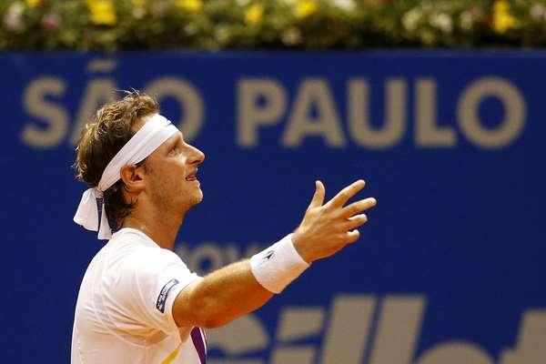 Apoiado calorosamente pela torcida no Brasil, o argentino David Nalbandian Nalbandian se classificou à primeira final da carreira desde o ATP 250 de Queens, em junho de 2012, ao vencer o italiano Simone Bolelli neste sábado, em São Paulo