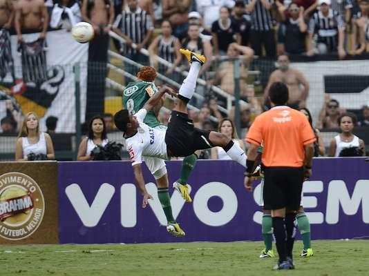Corinthians e Palmeiras fizeram um bom clássico neste domingo. Com emoção, bolas na trave, virada e falha de Cássio e até uma bicicleta perigosíssima de Paulinho, o dérbi paulistano terminou com empate por 2 a 2