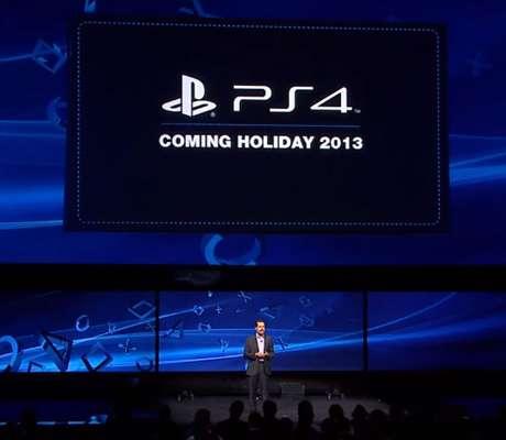 O Presidente da Sony, Andrew House, anunciou o lançamento do Playstation 4 para as festas de fim de ano