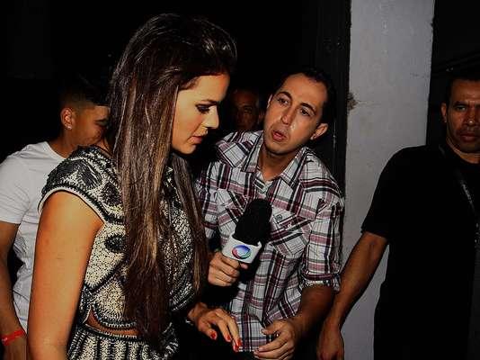 Bruna Marquezine, namorada de Neymar, marcou presença no aniversário do jogador, em uma boate da Vila Olímpia, em São Paulo, neste domingo (24)
