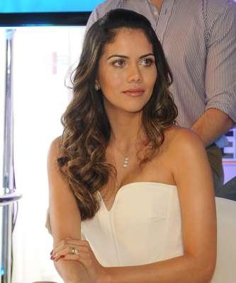 Daniela Albuquerque comanda o novo reality show da RedeTV!, 'Sob Medida'