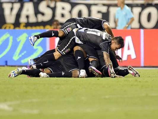 Vasco e Fluminense fizeram um clássico emocionante neste sábado, no Engenhão. Em jogo com cinco gols em um intervalo de 20 minutos, o time cruzmaltino fez 3 a 2 no rival e avançou à final da Taça Guanabara