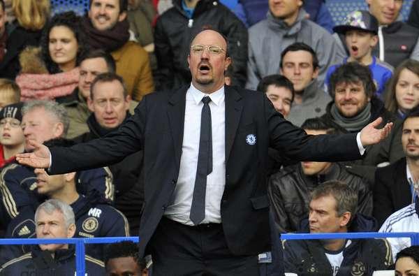 Rafa Benítez, segundo a imprensa inglesa, pode ser demitido pelo Chelsea a qualquer momento