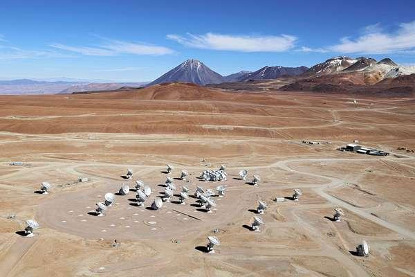 O observatório é composto por 66 antenas que podem operar em conjunto