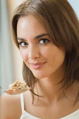 Por meio dos cereais é possível unir alimentação saudável e cuidados diários com a pele