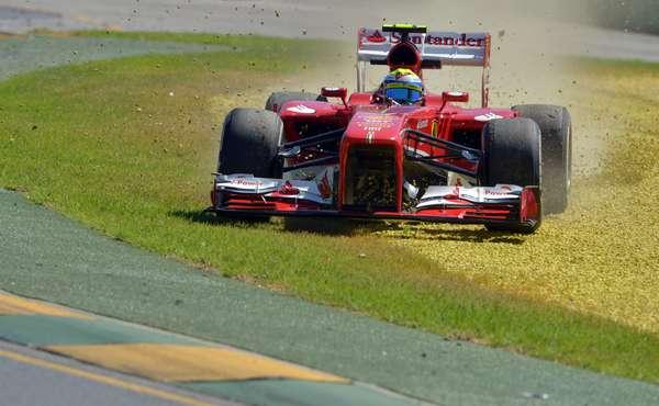 El primer día de los ensayos libres para el GP da Australia comenzó con algunos despistes, como el del brasileño Felipe Massa. Repase esa y otras imágenes de la apertura de la temporada 2013 del Mundial de Fórmula 1.