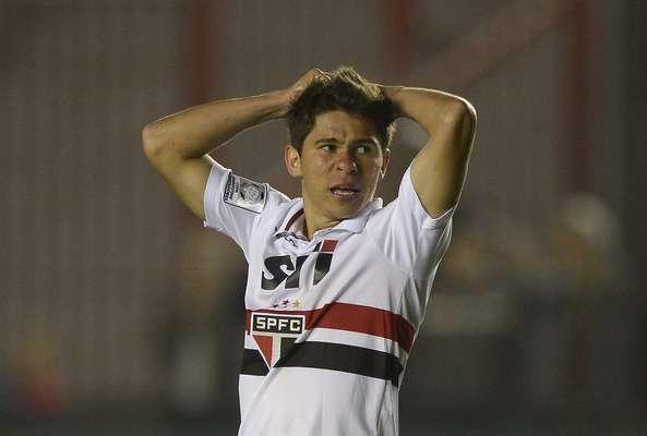 O São Paulo foi derrotado pelo Arsenal de Sarandí nesta quinta-feira por 2 a 1, na Argentina, e ficou em situação complicada no Grupo 3 da Copa Libertadores da América