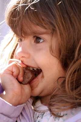 A higiene dental dos pequenos deve receber atenção especial nesta época