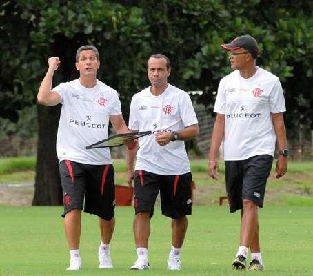 Poucas horas após a sua apresentação como novo treinador do Flamengo, Jorginho foi ao Ninho do Urubu, em Vargem Grande, onde comandou o elenco rubro-negro em seu primeiro treino
