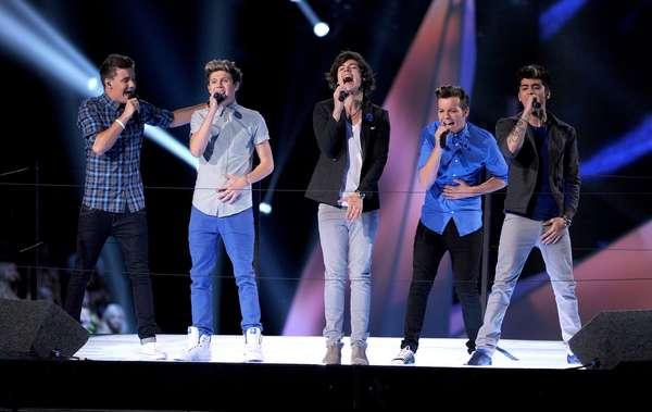 """Te dejamos con algunas fotos de los mejores momentos de One Direction durante su corta pero sonada carrera. Desde su reciente premiación y participación en los premios Brit Awards, hasta sus primeras apariciones públicas tras participar del programa """"The X Factor"""" en Inglaterra."""