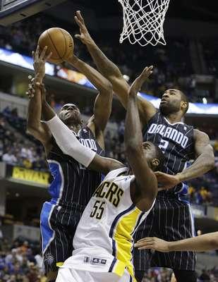 En una temporada para el olvido, el Magic de Orlando visitó a los Pacers de Indiana en el primer partido de la jornada nocturna de lunes en la NBA. El Magic llegó el encuentro con una marca de 18-49 y una racha de tres derrotas de forma consecutiva.