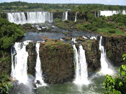 Pacote de três dias em Foz do Iguaçu, a partir de R$ 1.200, por pessoa, inclui hospedagem e passagens aéreas