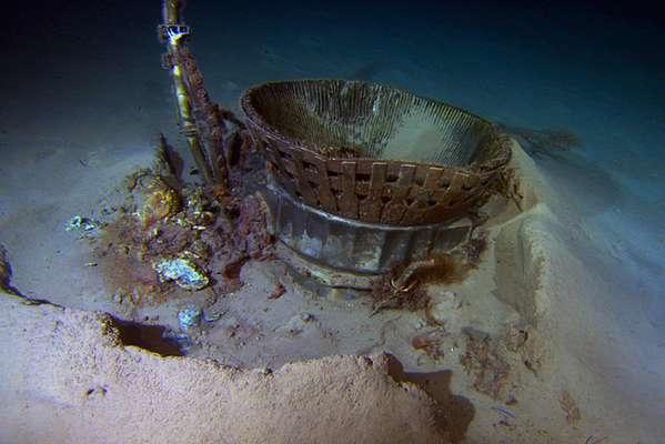 Uma equipe financiada pelo fundador da Amazon, Jeff Bezos, recuperou do fundo do Oceano Atlântico dois motores do foguete utilizado para enviar astronautas à Lua há mais de 40 anos
