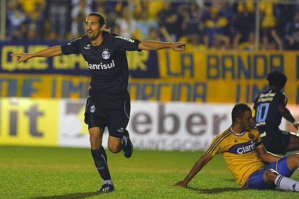 Com mais uma boa atuação de Hernán Barcos, o Grêmio venceu o Pelotas por 3 a 1, nesta quarta-feira. Foi a segunda vitória seguida do time na Taça Farroupilha, o segundo turno do Campeonato Gaúcho