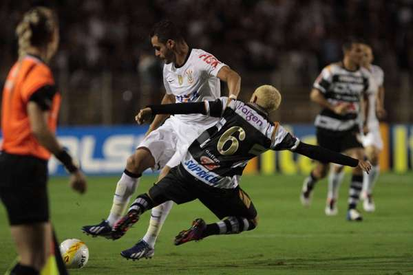 Em jogo no Estádio Barão de Serra Negra, XV de Piracicaba e Corinthians empataram por 1 a 1 pela 13 rodada do Campeonato Paulista