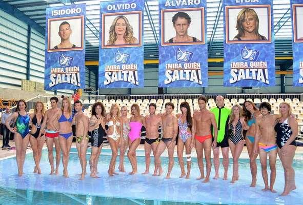 ¡Mira quién salta! ha apostado por bañadores que convinan lo deportivo con lo espectacular y para ello se ha servido de marcas como Dolores Cortés, Juana Martín o de Gabriel Croissier.
