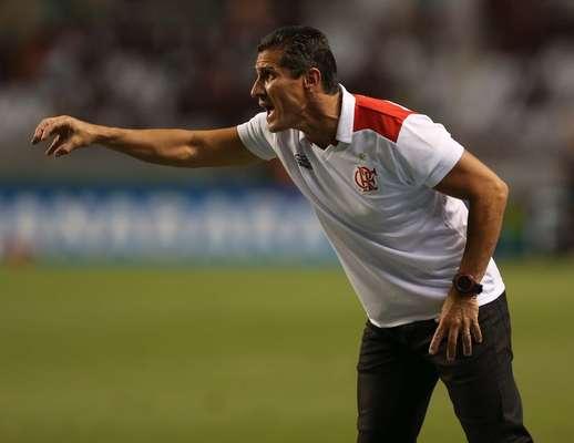 Jorginho viu o Flamengo criar e desperdiçar oportunidades e acabou vaiado em sua estreia como técnico da equipe, no empate por 0 a 0 com o Boavista; veja