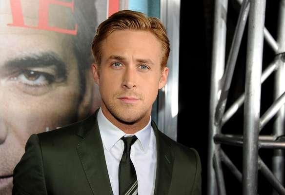 ¡Nooo, llévame a mí! Ryan Gosling anunció su retiro de la actuación debido a que ya no le gustaba mucho los papeles que había estado interpretando. 'He estado actuando demasiado tiempo. He perdido la perspectiva. Creo que es bueno que me tome un descanso y revalúe lo que estoy haciendo y cómo lo estoy haciendo. Creo que esta es probablemente una buena manera de aprender al respecto. Necesito un descanso de mí mismo tanto como el público, me imagino', fueron las palabras de Ryan que nos privará de su bella presencia en el cine por un tiempo.