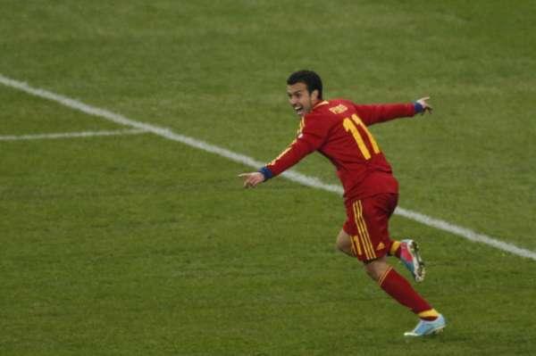 España ha conseguido ganar 0-1 en el Estade de France y le ha arrebatado a Francia el primer puesto en el Grupo I de clasificación para el próximo Mundial de Brasil 2014